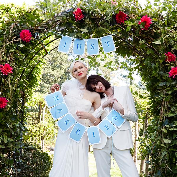 2 women just married